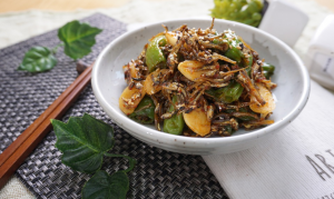 An image of plated - vegetable stir fry