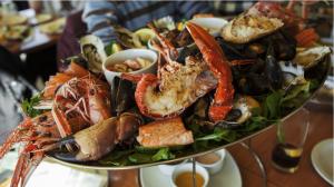 An image of seafood platter - seafood restaurant sop